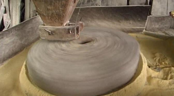 794910513-meule-de-moulin-moudre-moulin-a-eau-farine